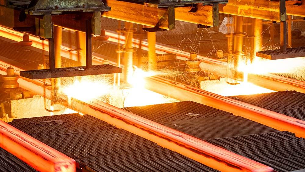 China steel PMI rises to one-year high in May; risks rising