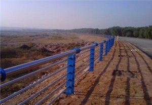 High speed composite pipe for stainless steel guardrail